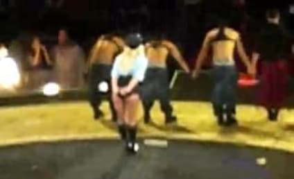 Britney Spears Lays Egg in Vancouver Concert