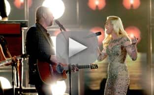 Blake Shelton and Gwen Stefani Duet at the Billboard Music Awards