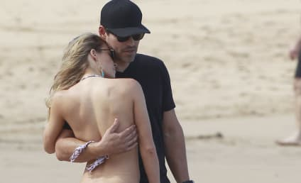 LeAnn Rimes Bikini Photos: Hot! All Staged!