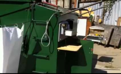 Brooklyn Artist Turns Dumpster into Livable Apartment