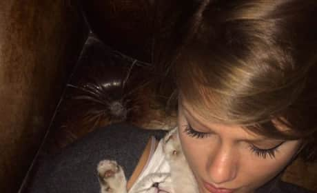 Taylor Swift with Cat