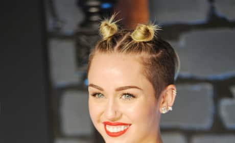 Miley Cyrus Red Carpet Image
