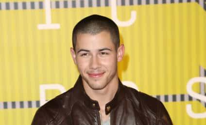 Nick Jonas & Kate Hudson: Hooking Up?!