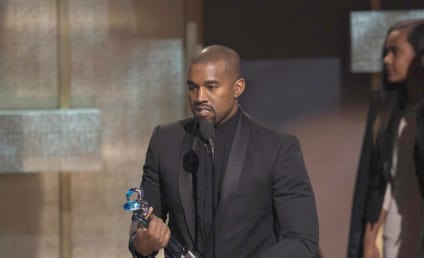 Kanye West to Collaborate with Taylor Swift?!?!?!?!
