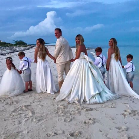 Kim Zolciak Renews Vows, Rides Horse in Wedding Dress - The ...
