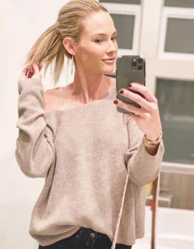 Meghan King Edmonds Selfie Alert