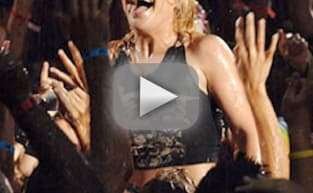MTV Video Music Awards Flashback: Kelly Clarkson Arrives!