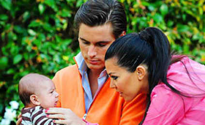 Kim Kardashian Comes to Defense of Scott Disick
