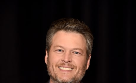 Blake Shelton, Awkward Smile