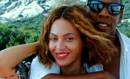 Jay-Z Sent Beyonce HOW MANY Roses Before Super Bowl Performance?!