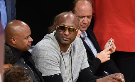 Lamar Odom Watches the Lakers