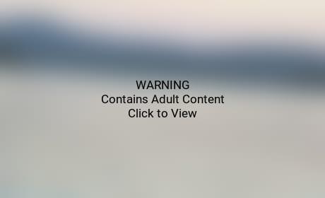 Julianne Hough, Nina Dobrev: Naked Butts