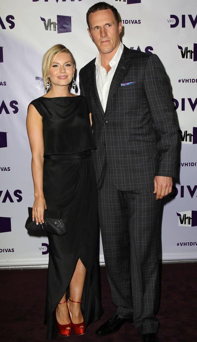 Elisha Cuthbert and Dion Phaneuf Photo