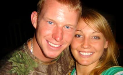 "Kelly Hildebrandt and Kelly Hildebrandt, ""Facebook Couple,"" to Divorce"