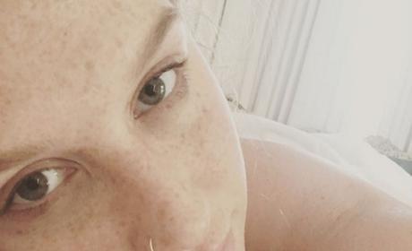 Kesha in makeup-free selfie