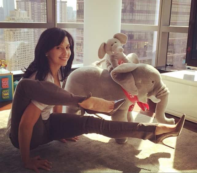 Hilaria Baldwin Does Yoga