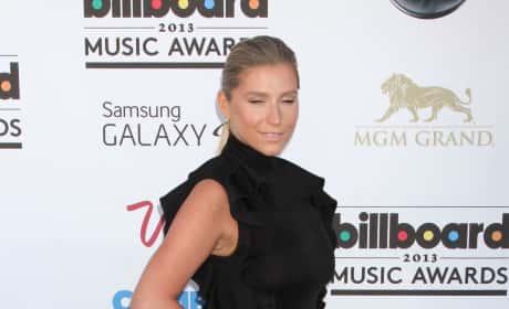 Ke$ha at Billboard Music Awards