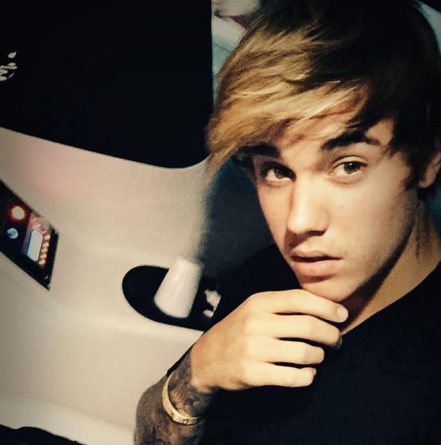 Justin Bieber Goes Old School