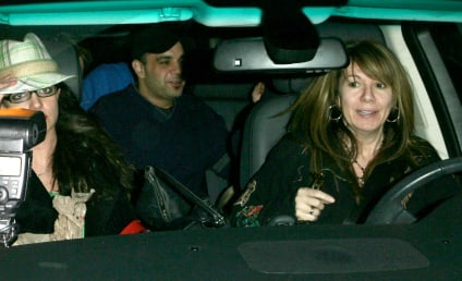 Britney, Mom Sued By Paparazzi Dude
