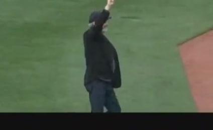 "Neil Diamond Performs ""Sweet Caroline"" at Fenway Park"