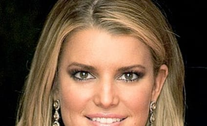 Jessica Simpson: Real or Wax?