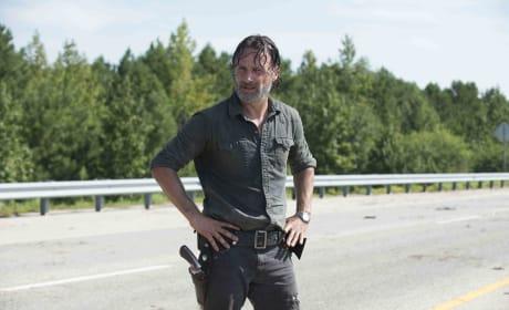 Rick Grimes Is On An Empty Road - The Walking Dead Season 7 Episode 9