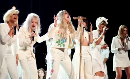 "Kesha Dominates Grammys with ""Praying"" Performance"