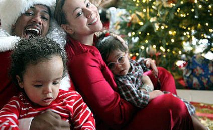 "Mariah Carey and Nick Cannon Pose with ""Dem Babies"" for Christmas"
