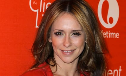 Jennifer Love Hewitt: Pregnant with First Child!