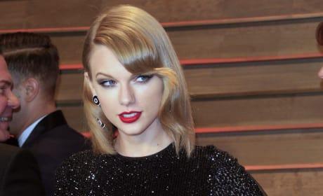 Taylor Swift Side Gaze