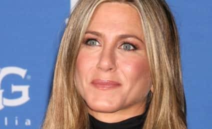 Jennifer Aniston: Snubbed by Oscars, Still Presenting at Oscars
