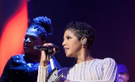 Toni Braxton Performs At 2016 BMI R&B/Hip-Hop Awards