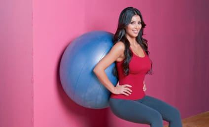 OMG! Kim Kardashian Works Out!