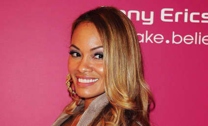 Evelyn Lozada on Rihanna and Chris Brown Back Together: TWO THUMBS UP!
