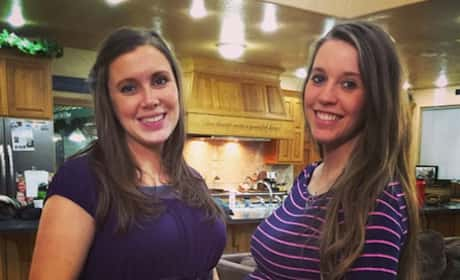 Jill and Anna Duggar Baby Bump Pic