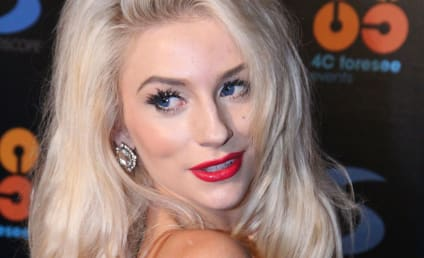 """Courtney Stodden Releases Music Video for """"Reality"""""""
