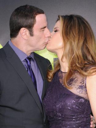 John Travolta, Kelly Preston Kiss
