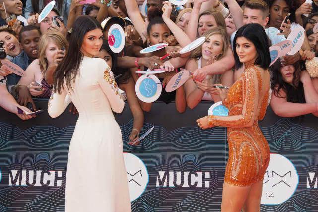 Kendall Jenner, Kylie Jenner Carpet Pic