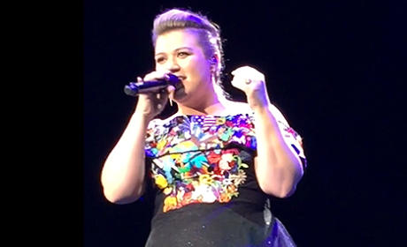 "Kelly Clarkson Sings ""Bye, Bye, Bye"" in Concert"