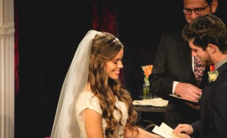 Jessa Duggar Posts New Wedding Photos! Relive Her Big Day Now!
