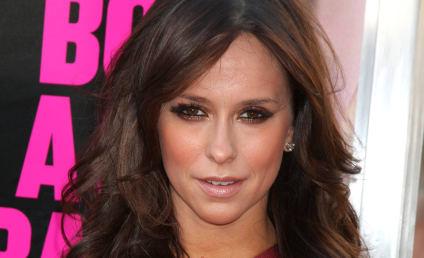 Sorry, Fellas: Jennifer Love Hewitt Nude Not on the Agenda