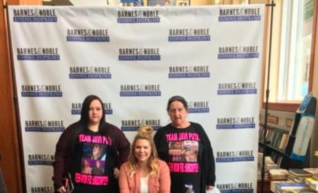 Kailyn Lowry at Book Signing