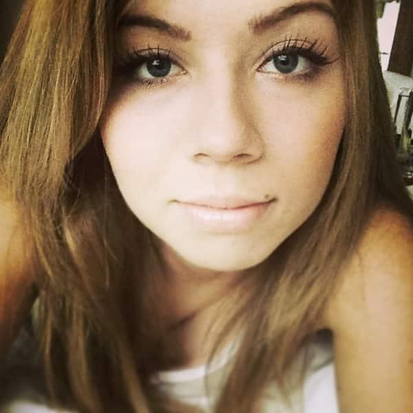 Jennette McCurdy Instagram Selfie