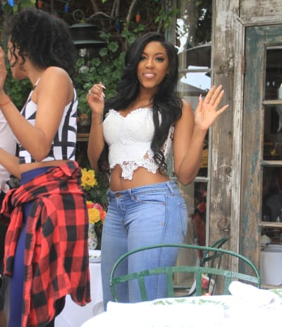 Porsha Williams Gets Into Yet Another Fight The Hollywood Gossip