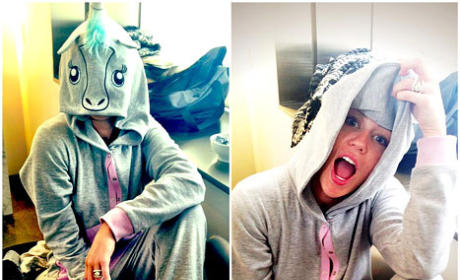 Miley Cyrus Twit Pics