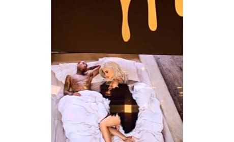 Kylie Jenner & Tyga in Bed Video