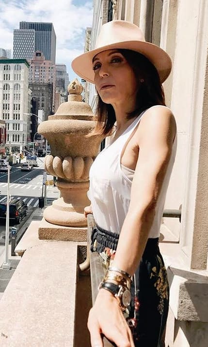 Bethenny frankel with a hat