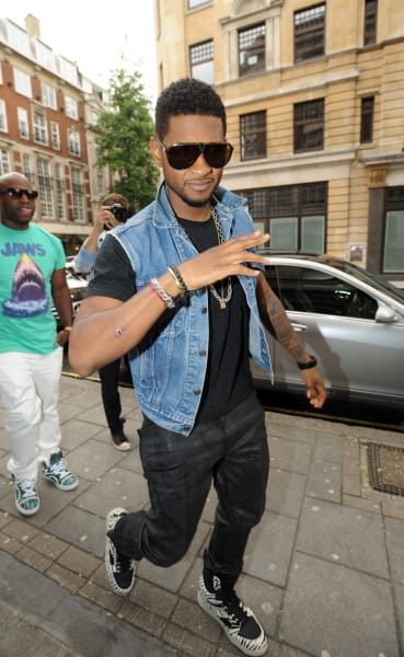 Usher Takes a Stroll