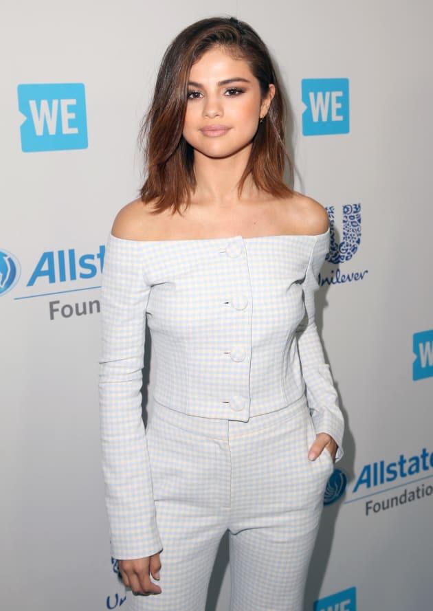 Selena Gomez Keeps It Simple