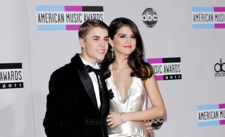Should Justin Bieber get back together with Selena Gomez?